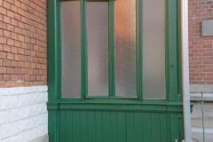 Mehrfamilienhaus, Sanierung historischer Windfang mit Tür