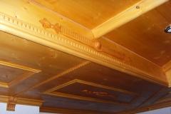 Rustikale Decke im Bauernstil
